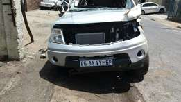 2015 Nissan navara breaking up for parts
