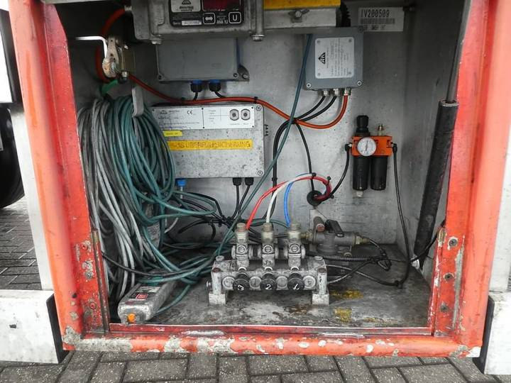 Van Hool CHEMICAL 55.000 LTR 3 compartments - 2004
