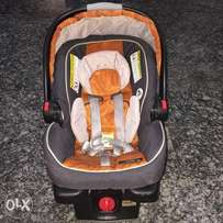 Graco Infant Car Seat in Good Condition (Rear Facing)