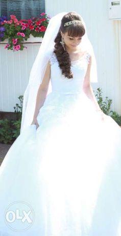 Дизайнерська Весільна Сукня