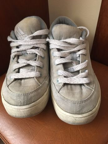 Buty Adidas zapiętki idealne wiosenne 37 wkładka 24 cm