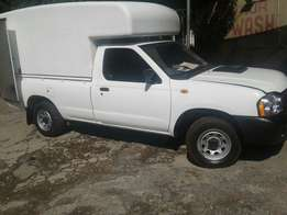2015 Nissan hardbody with canopy 2.5 tdi turbo diesel for sale