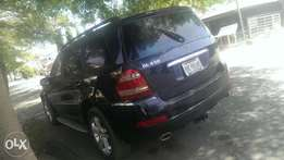 Mercedes-Benz GL450 for sale.