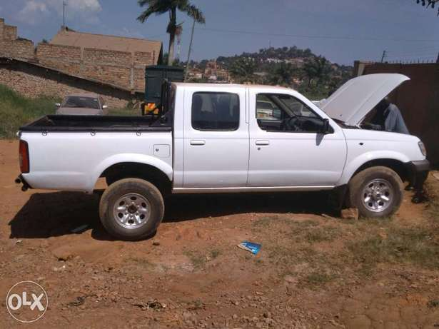 Toyota Hilux &Nissan hard body, 2000 and 2003 models. Kampala - image 2