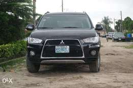 Very Clean Mitsubishi Outlander 2011