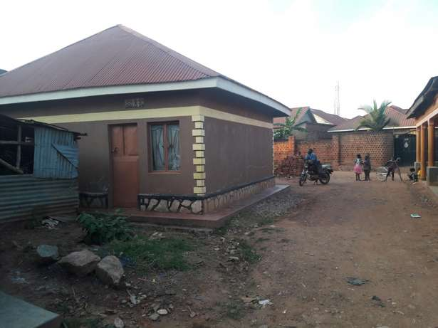 A beautiful house on urgent sale at 75m with a title in namugongo mbar Kampala - image 3