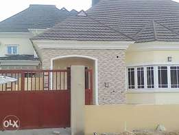 Luxury 3 Bedroom Bungalow For Sale in Lugbe