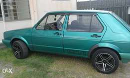 Golf 1 1600 in good condition daily use paper and disk up to date