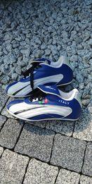 f13e5640f Nowe korki, buty dla chłopca do gry w piłkę, r.31