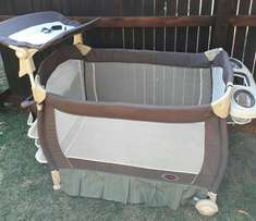 Camping cot with ekstra's