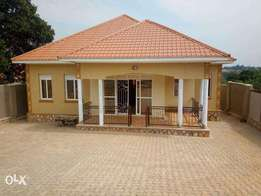 4 bedrooms bangalow house on sale in kira at 250m ugx