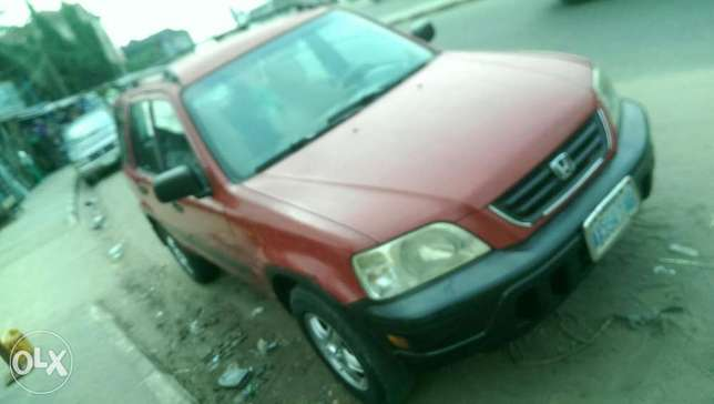 Clean Honda CRV with chilling AC Uvwie - image 2