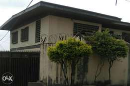 A storey building in bodija for urgent sale