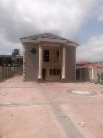 Tastefully built 3 bedrooms apartment for letting in Oluyole estate Ibadan South West - image 1