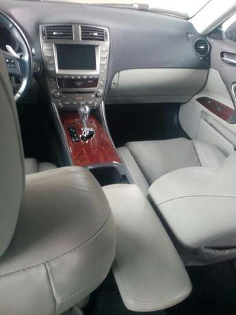 Tokunbo 2008 Lexus IS250 (Thumbstart+Navigation+Reverse Camera) Ikeja - image 5