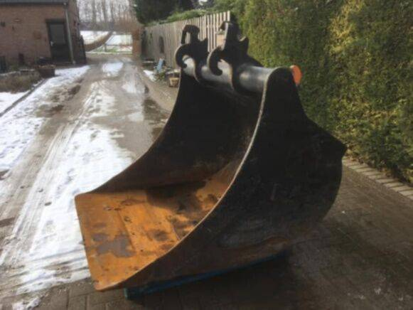 Verachtert crawler CW30 / 40 digger bucket for sale by auction