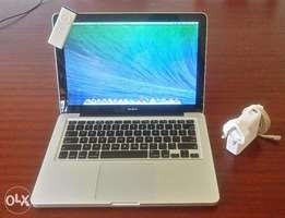 MacBook Apple 13 inch - Quick Sale!