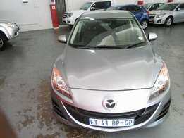 2012 Mazda3 1.6 Sport, Color Silver, Price R135,000.
