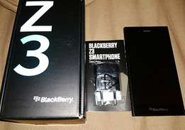 Blackberry Z3. Good Condition. Includes Box R800
