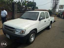 Toyota Hilux 2000 model for sale