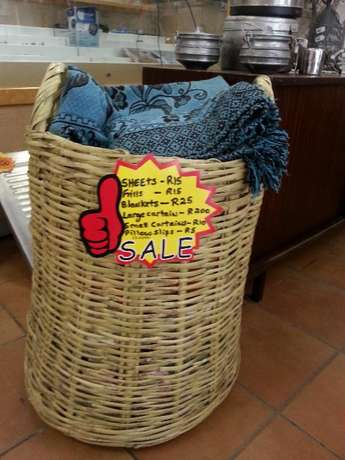 2nd Hand Clothes and Linen (GOOD Condition) Pietermaritzburg - image 2