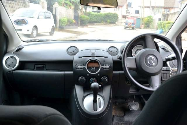 Quick sale on this well maintained Mazda Demio new shape 2008 make KCD Muthaiga - image 4