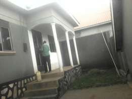 It's 3 bedroomed residential house in Nabweru with Buganda land title
