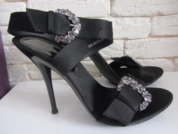 Елегантні босоніжки  160 грн. - Женская обувь Ровно на Olx 27e1010ca0604