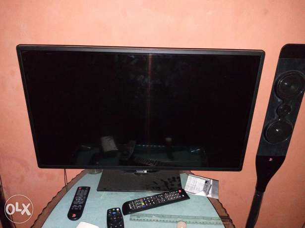 1 year old 32 inches Scanfrost very slim HD LED TV Port Harcourt - image 1