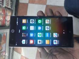 Tecno camon C9 on quick sale.