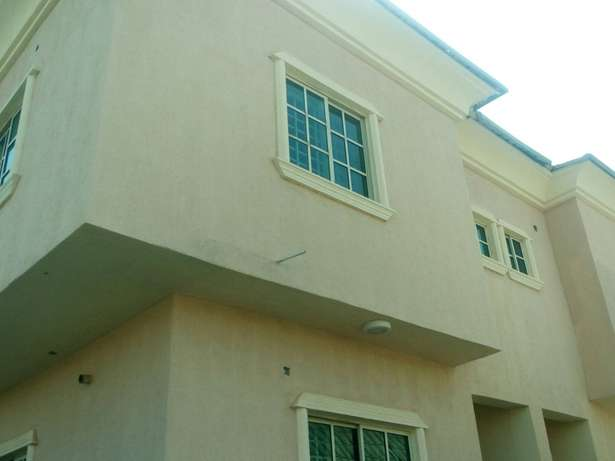 A decent and z4bedroom duplex for rent near Sunnyvale Dakwo - image 1