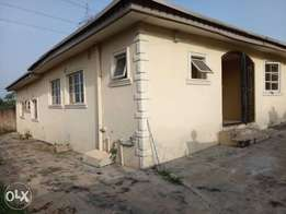 Standalone 4 bedrooms bungalow for sale at jericho/idi-ishin