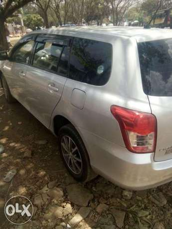 Quick sale on this well maintained Toyota Fielder 2009 make KCF 1500cc Nairobi CBD - image 2