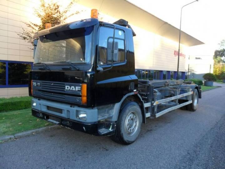 Daf 75, 240 pk, NCH, HMF laadkraan - 1995