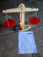 Wooden Balance scale toy, new