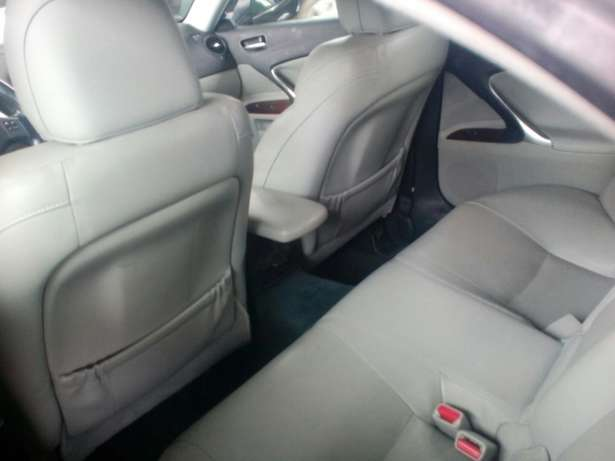 Tokunbo 2008 Lexus IS250 (Thumbstart+Navigation+Reverse Camera) Ikeja - image 4