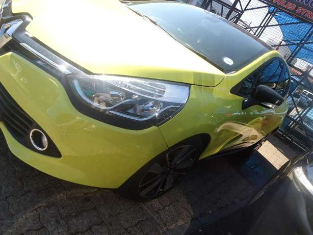 2014 Renault Clio 1.6 Available for Sale Johannesburg - image 2