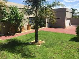 Accomodation for Students and Working Class offered in Douglasdale