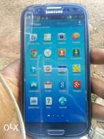 Samsung Galaxy s3 with a scratch sell/swap