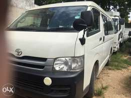Toyota hiace 9l auto petrol with seats