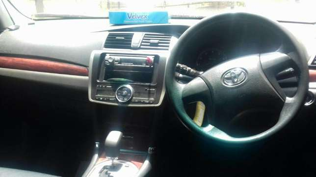 Black New shape Toyota Allion extra clean on quick sell Nairobi CBD - image 4