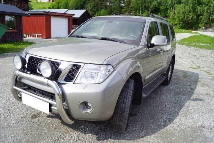 Nissan Pathfinder - 2012