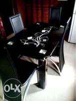 Home Dining Table (4-Seater)