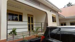 Brand new self contained house in Kitetika Gayaza rd.