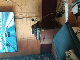 Xbox 360 with 2 pads and 25 hot games