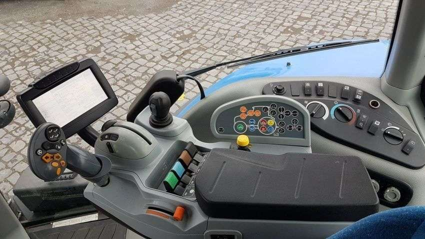 New Holland T 8.360 - 2011 - image 6