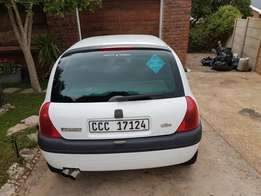 Selling my renault clio for 45 000