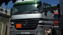Mercedes Benz ACTROS 2544 Semi Automatic Gearbox Silver Colour