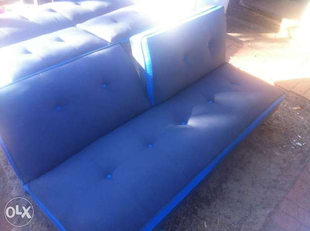 Sleeper couches x2 Kwaggasrand - image 1