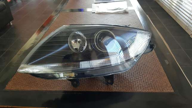 BMW Z4 headlight Bothasig - image 1